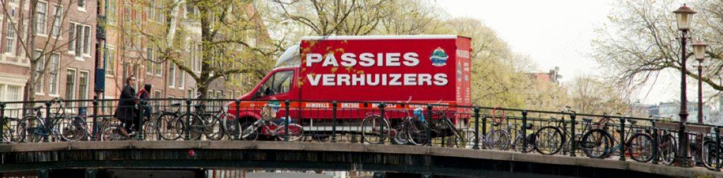 Passies verhuizen vrachtwagen in Leiden